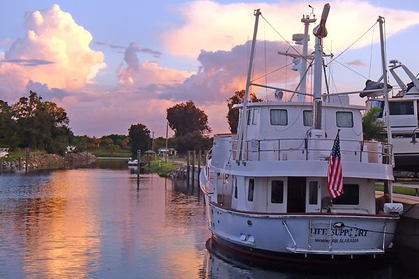 Kadey-Krogen Life Support Sun-Set - Trawler Advocate