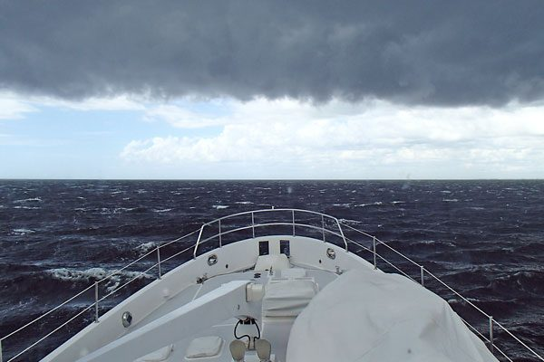 Nordhavn Trawler Underway Storm Horizon - Some Questions